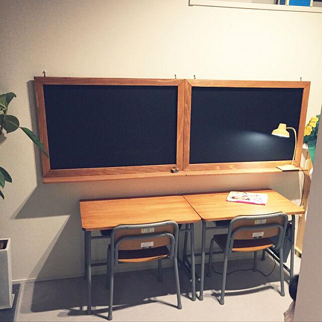 My Desk,フォロワーさん1000人ありがとう♡,黒板ボードDIY,キッズスペース,DIY,学習机DIY,オスモカラー チェリー,学校の机と椅子,学校の机をリメイク,いいね!ありがとうございます◡̈♥︎ Rinの部屋