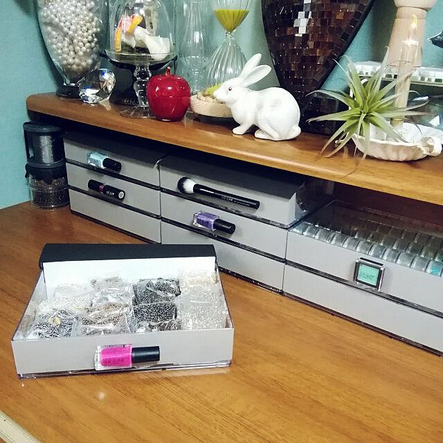 My Desk,10分でできる,Daiso,DAISOリメイク,貼るだけ,作業机,ビーズ,ビーズ収納 naive.coccoの部屋