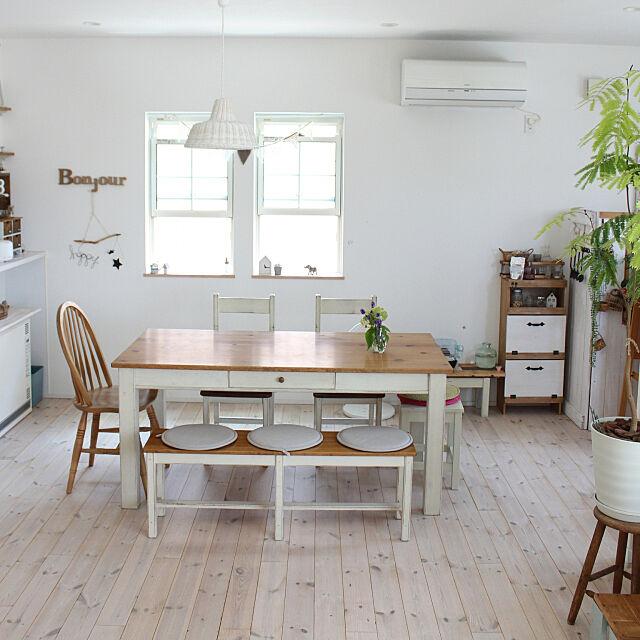 Overview,白のチカラ,無垢の床,花のある暮らし,ヒュッゲ,おうちカフェ,観葉植物のある暮らし,ダイニングテーブル&チェア,アーコールチェア,ナチュラルインテリア comiriの部屋