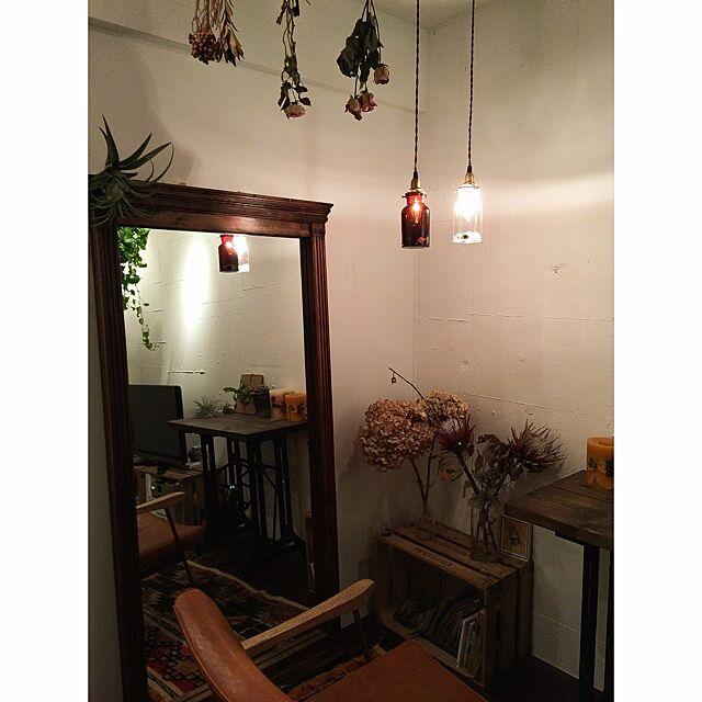 Lounge,BeauBelle,照明,鉱物,原石,鉱石,薬瓶,ドライフラワー,植物,木箱,エアプランツ,TRUCK,チェア,ミラー kurobarの部屋
