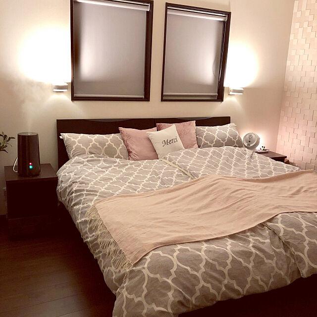 Bedroom,ホテルライクに憧れる,間接照明,ロールスクリーン,モロッカン柄,COLK,サイドテーブル,コルク,ハイブリッド加湿器,加湿器,模様替え,エコカラット Mamiyの部屋