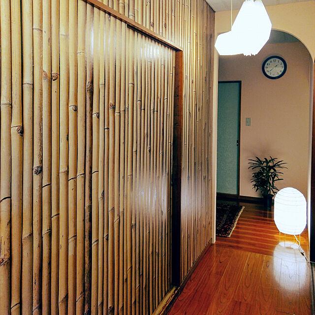 On Walls,壁紙屋本舗,自分でリフォーム,壁紙大好き,セルフリフォーム,壁紙大好き♡,壁紙DIY,壁紙でここまで変わる!,アーチ壁,しっくい壁DIY,築36年の家,築36年,漆喰壁DIY,アーチ壁DIY,和の雰囲気,廊下,しっくい壁,漆喰,ピンクの漆喰,IKEAのフロアライト,IKEAのフロアランプ,IKEA,IKEAのトリプルコード,ジャポニスム nikkoriの部屋