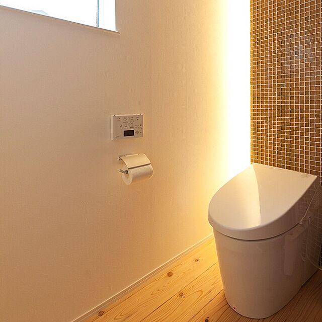 TOTO,ネオレストAH1,タイル,トイレ,間接照明,LED,杉の床 yuuuuuriの部屋