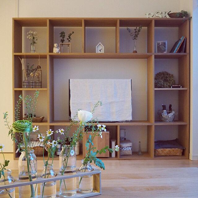壁面棚,壁面ディスプレイ,テレビボード,10000人の暮らし,花のある暮らし,暮らしを楽しむ,いいね、フォロー本当に感謝デス☺︎,春の花たち,丁寧な暮らしがしたい,ig→kayo_daily,無印良品,マイディスプレイスペース,Overview mimiedenの部屋