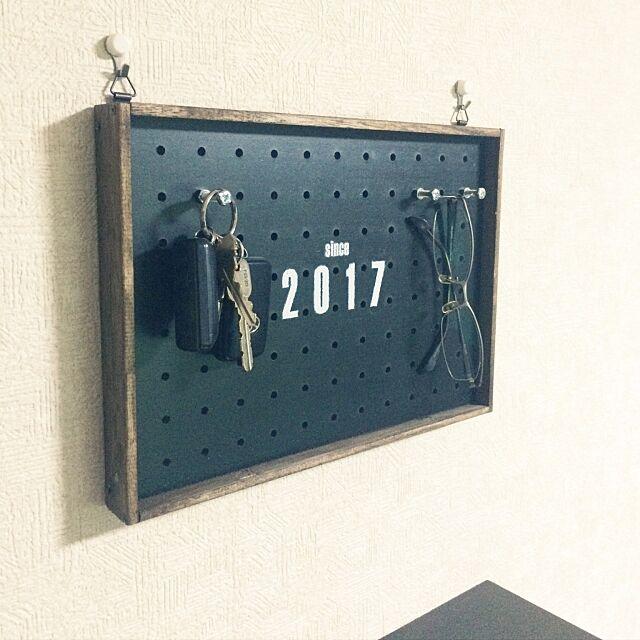 On Walls,転写シート,男前,一人暮らし,ダイソー,100均,DIY,すのこ,セリア,パンチングボード kazooの部屋