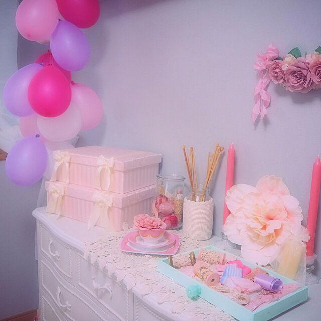 My Shelf,ピンクインテリア,Pink,ロマンティック,ゆめかわいい,一人暮らし,手作り,ピンク,ガーリー,ホワイトインテリア,賃貸,白家具,バルーン,ピンクパーティ,ホワイト,ブルーグレーの壁 qnqnの部屋