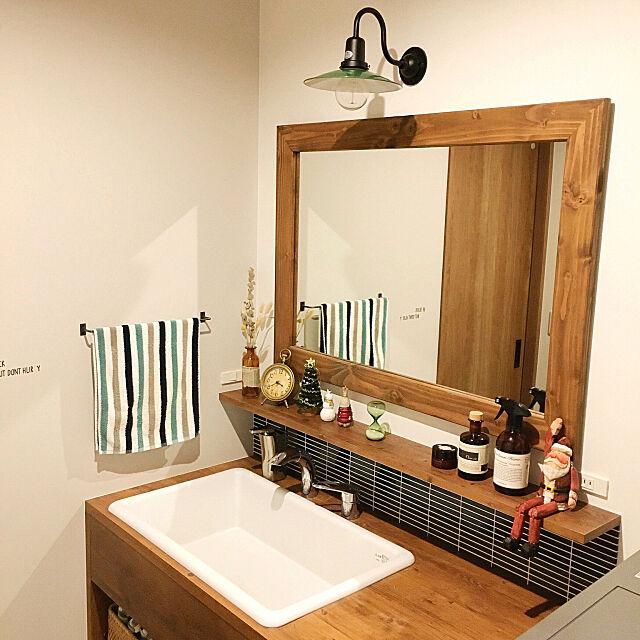 Bathroom,INOBUN,木枠ミラー,IPボーダー グラデーション,名古屋モザイク,ブラケットライト,造作洗面台,実験用シンク,TOTO,十人十家,お久しぶりです,今年も出てきました,いいね!ありがとうございます◡̈♥︎,たくさん保存ありがとうございます♡ Rinの部屋