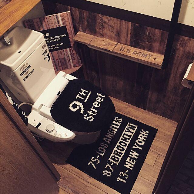 Bathroom,トイレ改造,しまむら,腰板風,DIY,男前雑貨,男前,木目調,ブルックリンスタイル,100均リメイク,セルフリノベーション,リメイク,腰板DIY,賃貸インテリア,セリア,男前インテリア,100均,バスロールサイン,インスタ→yuka_setsu0527,リメイクシート yuka0527の部屋