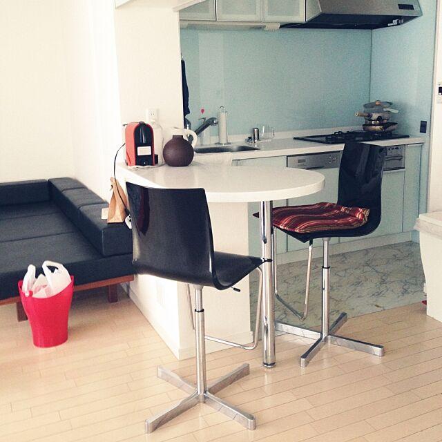 Lounge,WOK535,POCCI+DONDOLI,カッシーナ,カウンターチェアー,ミニマルモダン,塩系インテリア,シンプルモダン,デザイナーズ家具,白黒マニア,シンプルが好き,シンプルにすっきりと暮らす,シンプル 部屋,Marco Pocci,Claudio Dondoli & yamyamの部屋