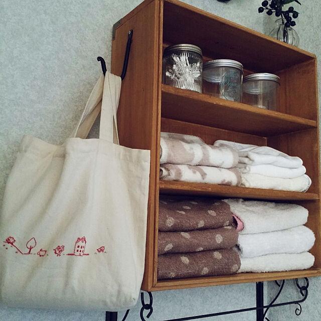 Bathroom,洗面所,タオル収納,DIY棚,刺繍,イラスト刺繍,ハンドメイド,手作りのある暮らし,トートバッグ収納,ダイソー,セリアのタオル,アイアンバー lecielの部屋