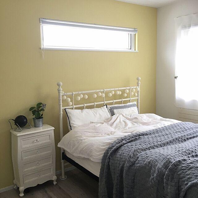 Bedroom,寝室,ベッドルーム,ミニマリスト,MONOTONE,ホワイトインテリア,お気に入り,Dフロア,整理整頓,マイホーム,リビングダイニング,ポータブル超短焦点プロジェクター,グレーインテリア,持たない暮らし,北欧インテリア,北欧,ソニー,smile,favorite,プロジェクター,ポータブル超短焦点プロジェクター応募,丁寧な暮らし,暮らし,北海道,もたない暮らし,LIXIL,シンプルライフ,モノトーン,Happy,海外インテリアに憧れる,ミニマム 77poan99の部屋