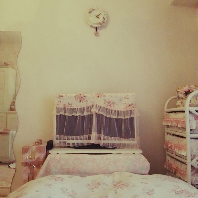 Bedroom,DIY,ピンク色,花柄,テレビカバー sugar-graceの部屋
