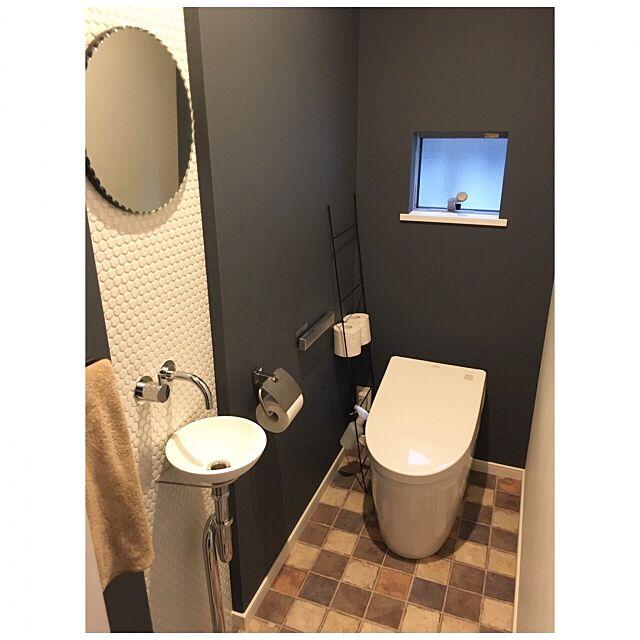 Bathroom,TOTOネオレスト,TOTOトイレ,TOTO,ラダーラック,アイアン,トイレ,見せる収納,いいね!ありがとうございます◡̈♥︎,収納,シンプルライフ,シンプル,男前,子供と暮らす。 t.house...の部屋