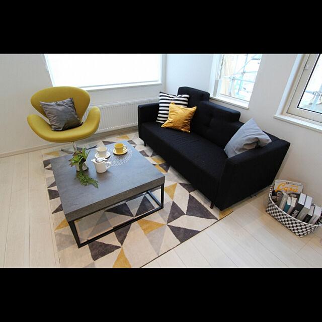 仕事記録,Lounge,ジオメトリック,スワンチェア,モノトーン,差し色イエロー,炭の家,ホーム企画センター cafe0415hの部屋