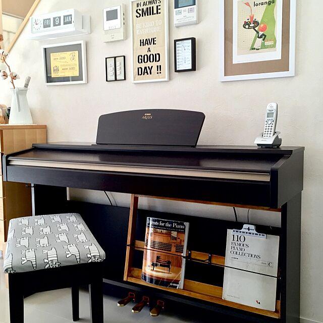 My Shelf,椅子リメイク,自作ステンシル,北欧ポスター,楽譜,電子ピアノの下,電子ピアノ,手作り,ハンドメイド,DIY,マガジンラック,リメイク SAYOの部屋