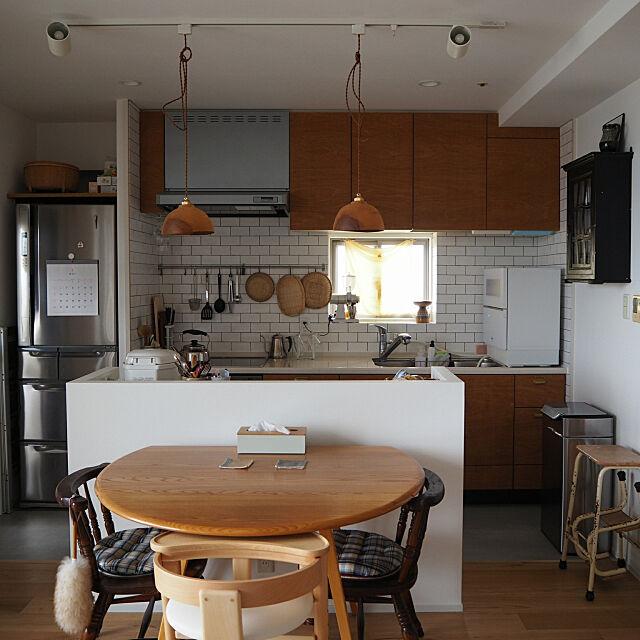 Kitchen,ヴィンテージ家具,無垢の床,リノベーション,アーコールドロップリーフテーブル,キツツキマーク,飛騨産業,プレディクトチェア,食洗機,タイルキッチン sachiblancの部屋