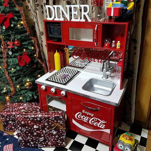Kitchen,グッドデザイン,coca-cola,DIY,アメリカンダイナー風,サンドブラスト,ブラスト,コカコーラ,パブミラー,ままごとキッチン,ミラー,ハンドメイド,鏡,ままごと,コカ・コーラ,アメリカンダイナー,ネオンサイン風,IKEA,セリア,ミニオン,100均,クリスマスプレゼント,クリスマスディスプレイ,チェッカーフラッグ,クリスマスインテリア,メッキモール,クリスマス,クリスマス雑貨 Erikoの部屋