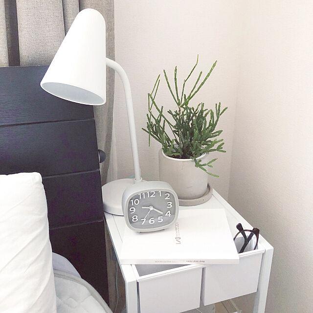 Bedroom,9人が大好き♡,ホワイト好き♡,リプサリス,TOWER,Hey!Say!JUMP,ダイソー,モノトーン,いいね&フォローありがとうございます☆,モノトーンに憧れて,グレー好き♡,IKEA,海外インテリアに憧れる,グリーンのある暮らし JUMPeyの部屋