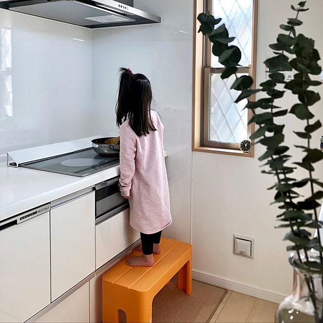 Kitchen,IHカバー,IHクッキングヒーター,踏み台,ユーカリ,こどもと暮らす。,すっきり暮らしたい,窓,ダイソー saaabonの部屋