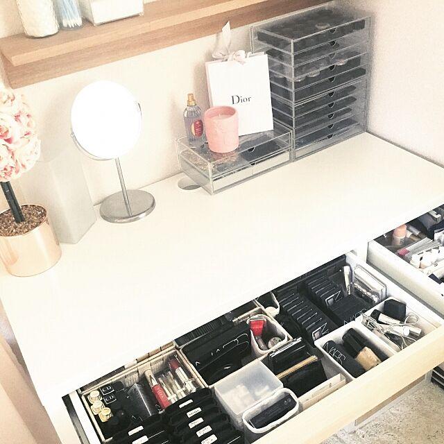 My Desk,日替わり投稿企画!火曜日,メイク,IKEA,ダイソー,無印良品,収納,VARIERA,無印良品 アクリルケース,コスメ収納,デスク内整理トレー,ドレッサー rukiaの部屋